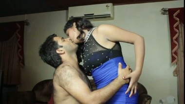Sexy Wife Seducing her Lover Hot Mms Video