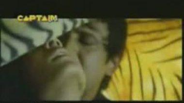 Indian Hot Actress Real Kissing