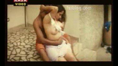 Reshma Boob Exposure Video – FSIBlog.com