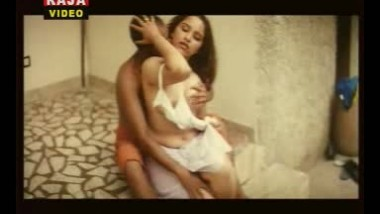 Mallu Actor Reshma Boobs fondled