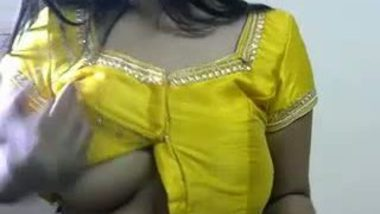 Breasts in blouse tempts Indian men