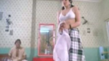 Desi Tamil Girl Getting Naked