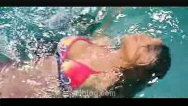 Hot Bollywood Actress in Swimsuit Masala – FSIBlog.com