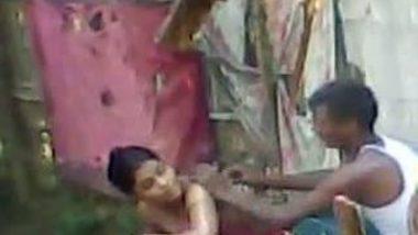 Desi outdoor bath scene captured by neighbor