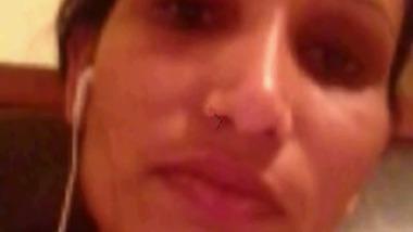 Sexy Modern Bhabhi From Hyderabad Exposes Big Boobs Over Skype