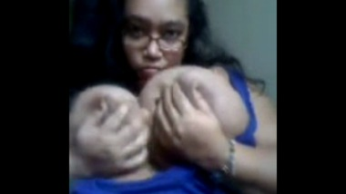 Kolkata College Girl Fondles Her Enormously Big Boobs