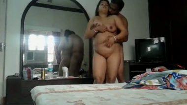 Desi sex of Bengali mature bhabhi home sex with neighbor clear bengali audio