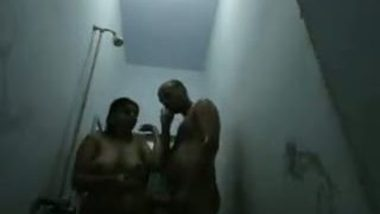 Desi big boobs aunty shower sex with hubby's friend