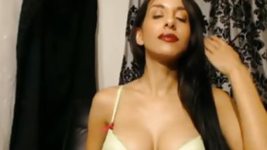 Long Hiared Brunnette Strips And Flashes Her Body