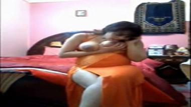 Big boobs Delhi bhabhi enjoying phone sex with lover
