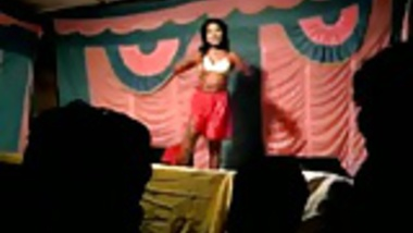 Desi Bhabhi Dances Nude on Stage in Public