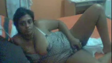 Mature big boobs aunty reveals masturbation on cam