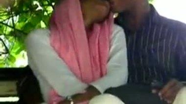 After Eid desi girl outdoor handjob mms