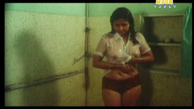 Desi shower sex video busty bhabhi with lover