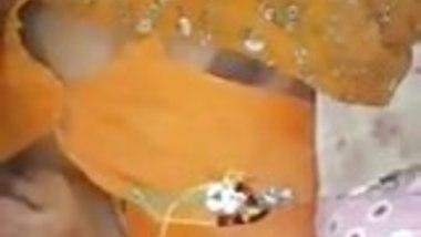 Jeyanthi Aunty showing boobs in silk saree