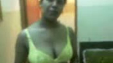 Indian xxx big boobs bhabhi home sex with lover