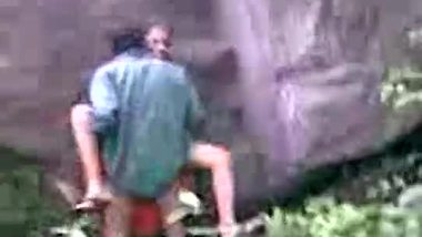 Telugu sex video of a village aunty in the forest