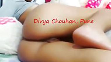 Desi Slut Divya showing her pussy & ass & singing song