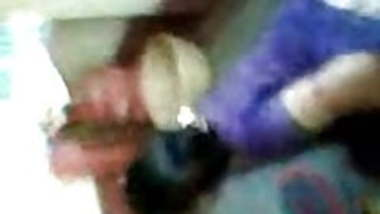 Dasi aunty cleavage