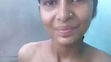 Desi village girl with no reaction while having sex