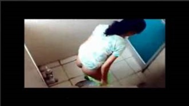 Hot Mallu Girls Peeing In Ladies Room