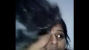 Hot Mallu Bhabhi Secretly Showing Pussy