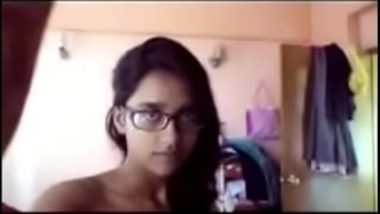 Sexy Bengali Girl Showing Her Hot Melons