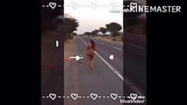 Pink Rahul Jaipur - Daring wife stripping nude on highway