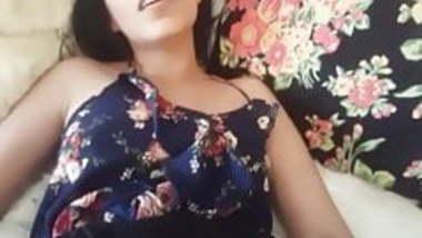 Desi girl enjoying anal sex and say PUT IT INSIDE FUCKER