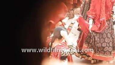 Hot Indian actress Alia Bhatt Nipple visible in blouse