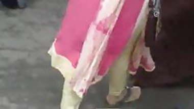 Desi salwar girl tight ass view